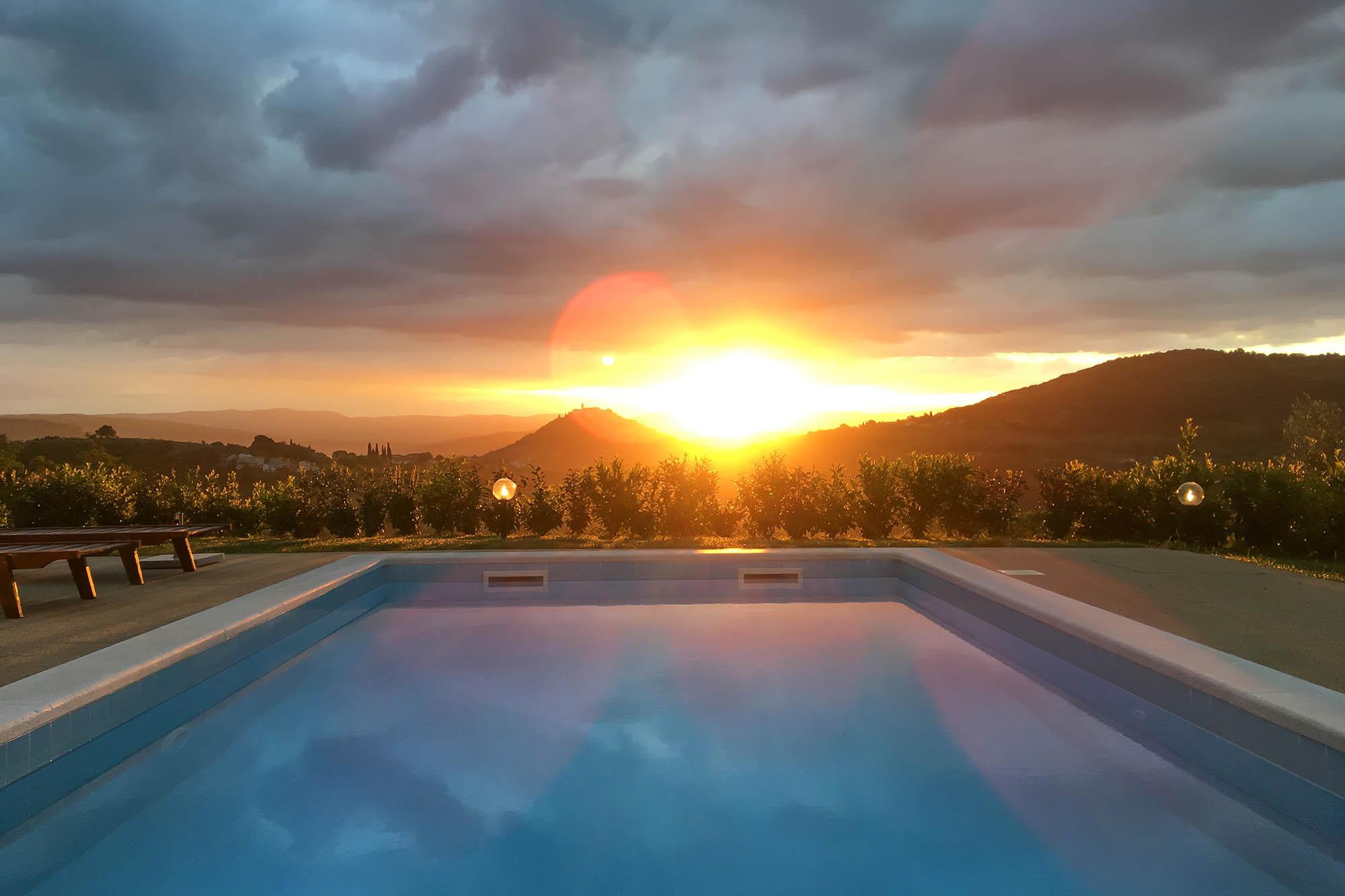 Schöner Sonnenaufgang Motovun Istrien Kroatien