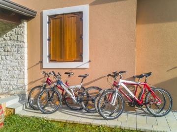 Villa Fiore Spinovci Bike Web.jpg